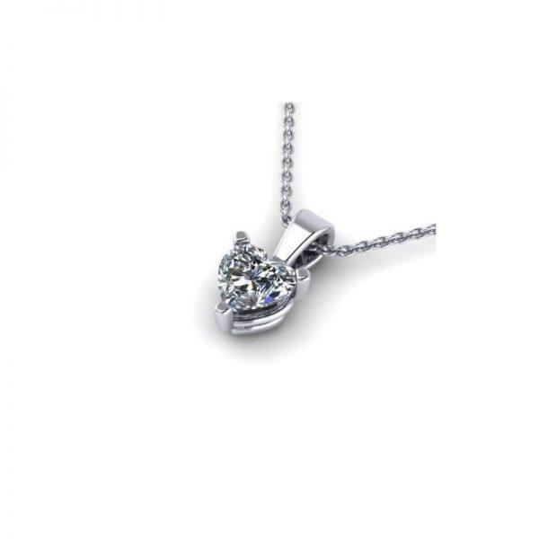prívesok s diamantom srdce