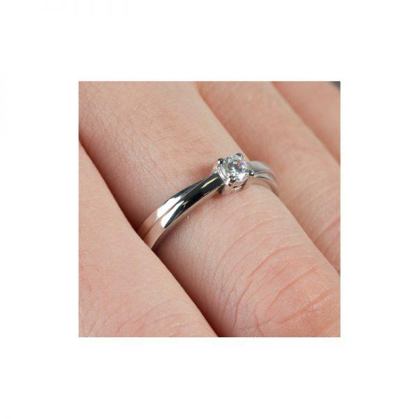 Elegantný zásnubný prsteň s diamantom 0.20 ct,